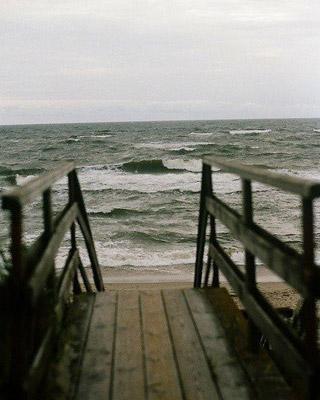 一抹蔚蓝深似海,寄你红笺山水